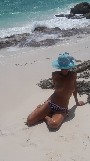 Marie-esther escort girl in Dover