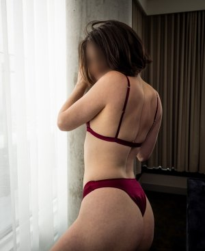 Luisa escort girl in Hagerstown
